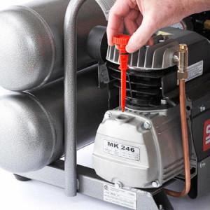 change-air-compressor-oil
